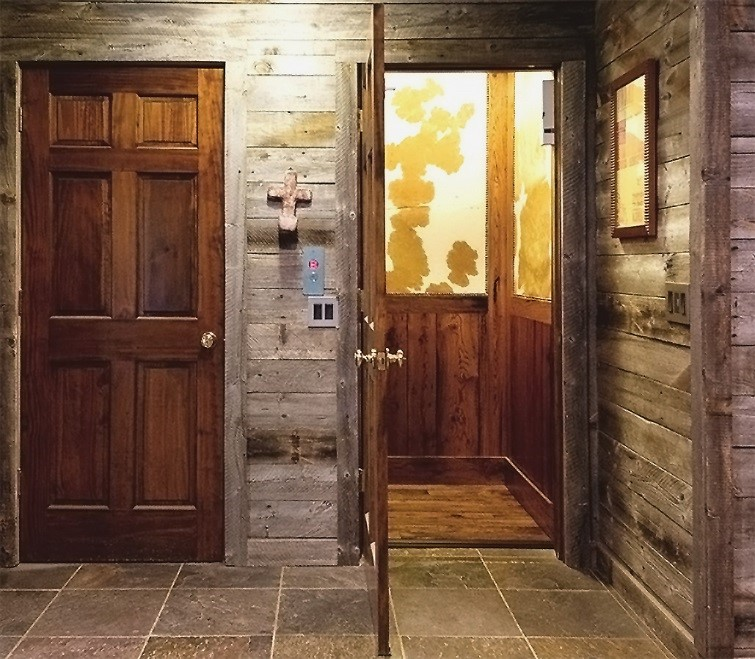 Home elevator residential elevator il in wi for Luxury home elevators